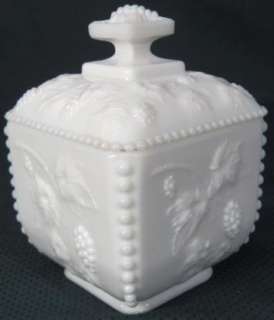 Westmoreland Glass Paneled Beaded Grape Cable Puff Box