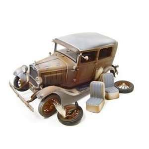 1931 FORD MODEL A TUDOR WEATHERED RUSTED 118 DIECAST MODEL